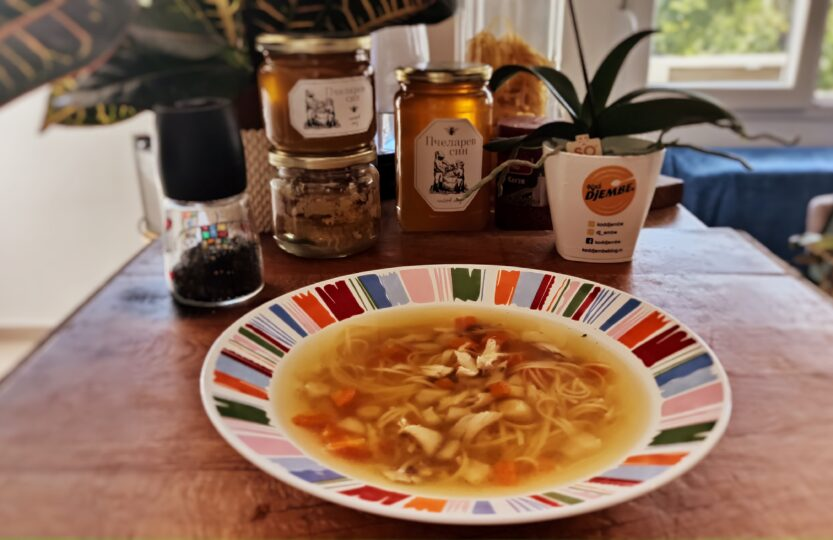 Bistra pileca supa